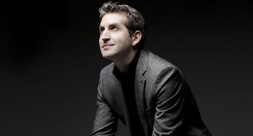 Lucas Macías Navarro conducts Mozart's Gran Partita