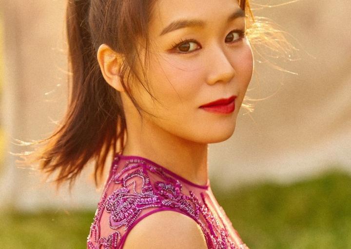by Je Won Kim
